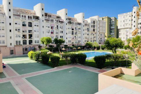 Piscina Conjunto residencial, sito en Avenida Los Manantiales, Torremolinos